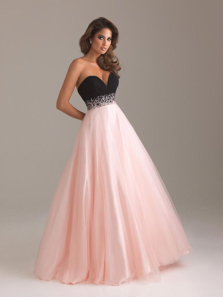 Платье с пышной юбкой в пол